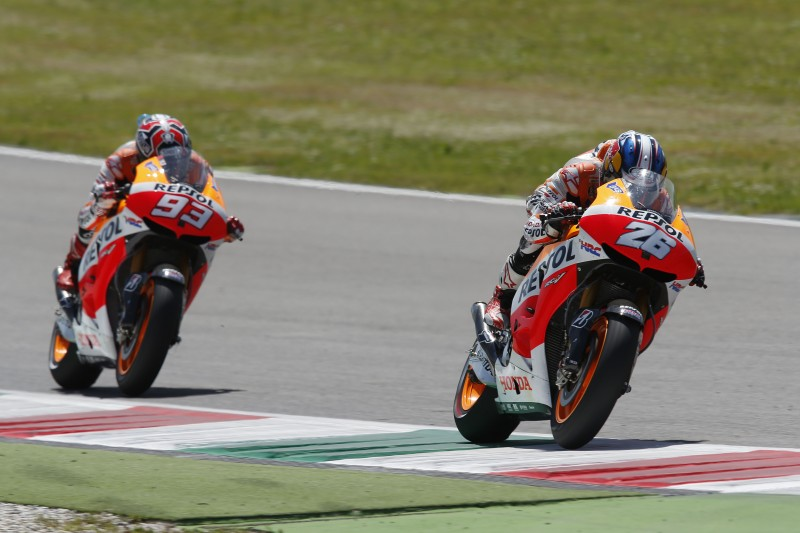 Pedrosa maintains championship lead with 2nd place but Marquez crashes out
