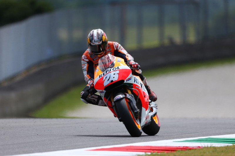 Marquez continues perfect 2014 with sixth straight pole