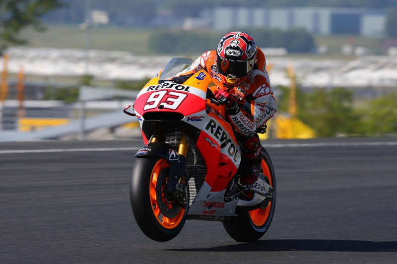 Marquez thunders to 5th consecutive pole taking new lap record en route