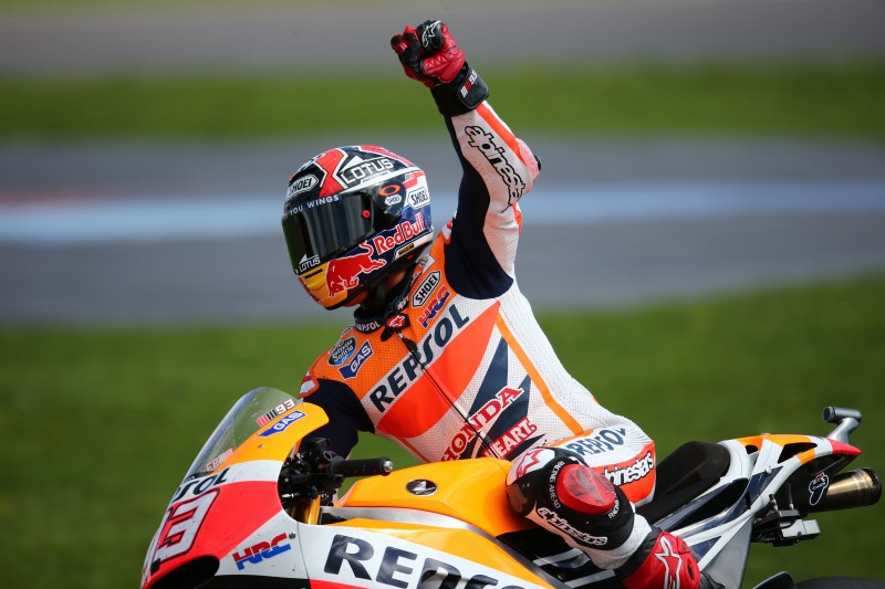 Marquez back in the groove in Silverstone with win number eleven, Pedrosa battles for fourth