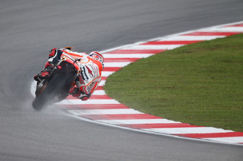 Pedrosa fastest in mixed conditions on first day in Sepang