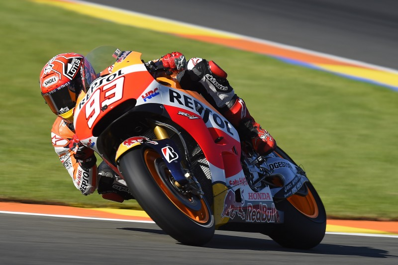 Season finale gets underway in Valencia