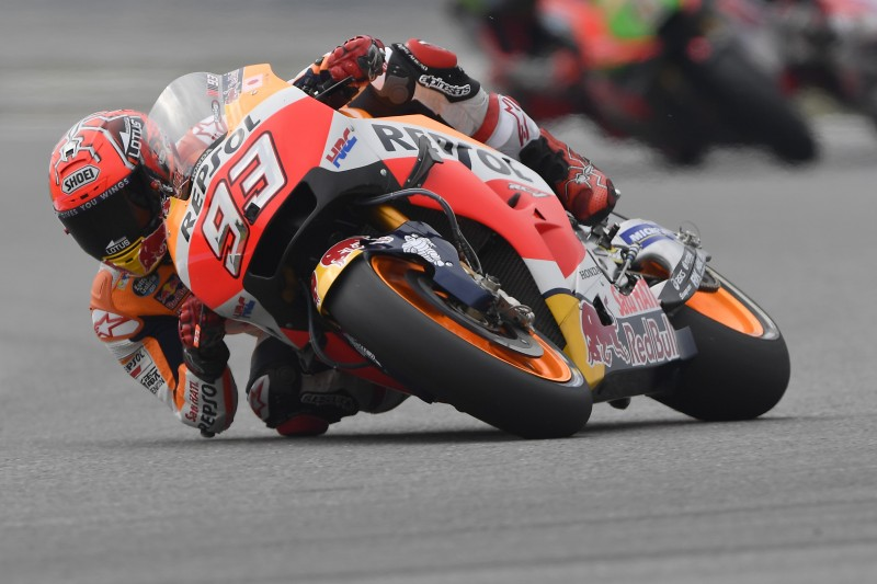Marquez sets the pace on day one in Brno after a spectacular save in FP2