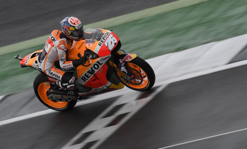 Positive second row start for Pedrosa and Marquez after wet qualifying session