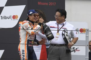 Marquez and Honda Motor Vice President Mr. Kuraishi